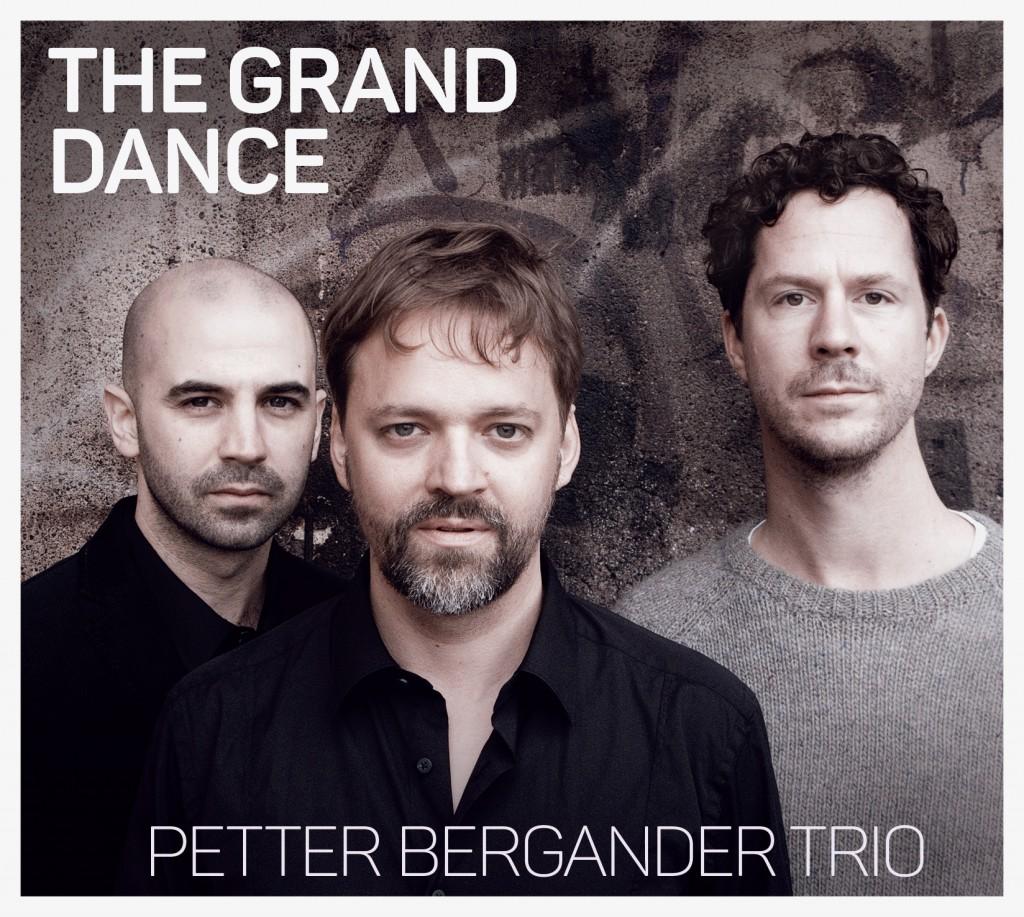 The Grand Dance - Petter Bergander Trio. Petter Bergander - piano, Martin Höper - double bass, Robert Mehmet Sinan Ikiz - drums. Cover photo by Linn Segolson